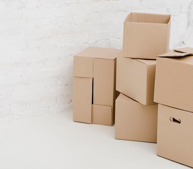 Коробок можно использовать и больше, чем три. Главное — не оставлять рассортированные вещи в них надолго, а скорее отнести по назначению.