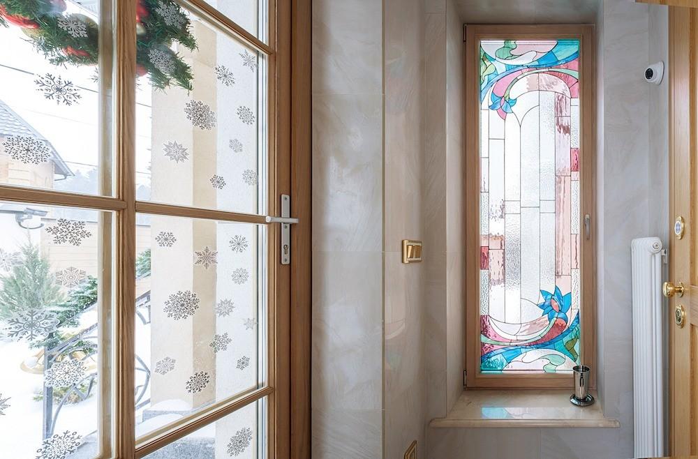 Придать индивидуальные черты квартире с отделкой отзастройщика помогут мебель, осветительные приборы, картины и другие элементы декора.  В принципе, имея опыт окраски или ламинирования П...
