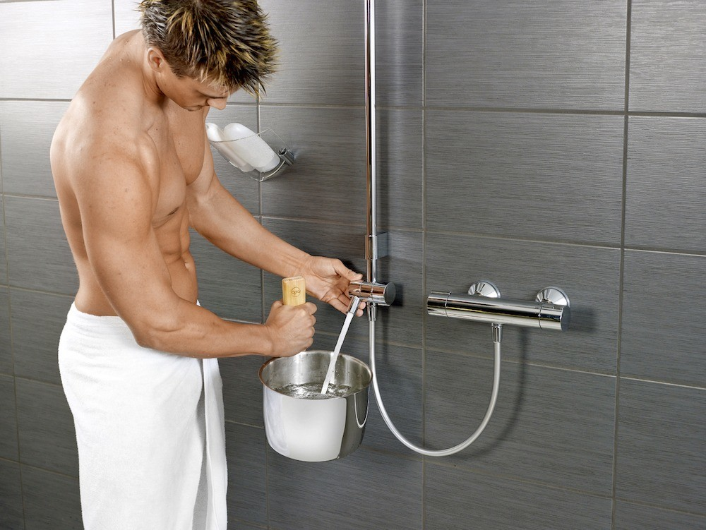 Комплект Hydra,  включающий  термостат сизливом, — это дополнительные удобства  (34 500 руб.).