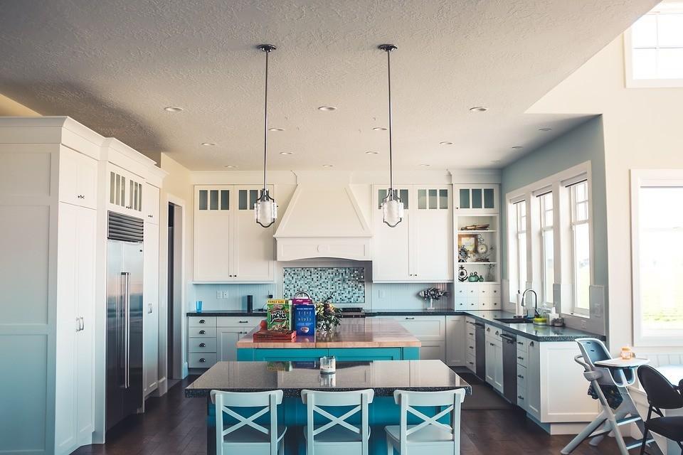 Люстры для кухни в современном стиле: 100+ фото лучших моделей и советы по выбору