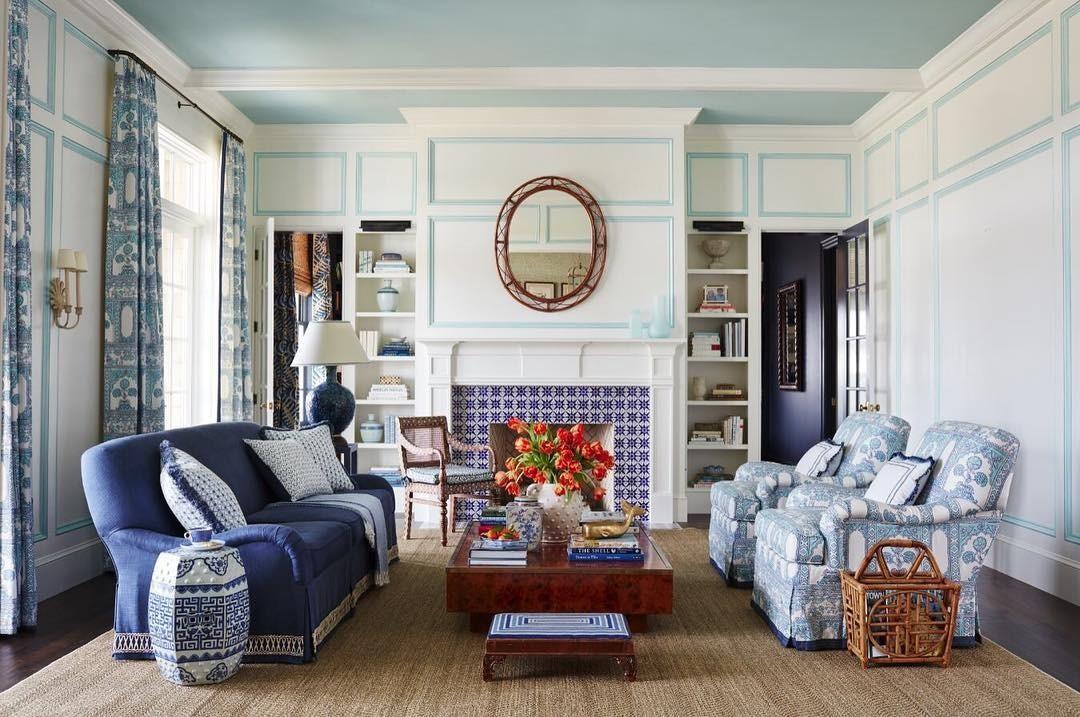 Потолок не белого цвета: 7 ситуаций, в которых он уместен