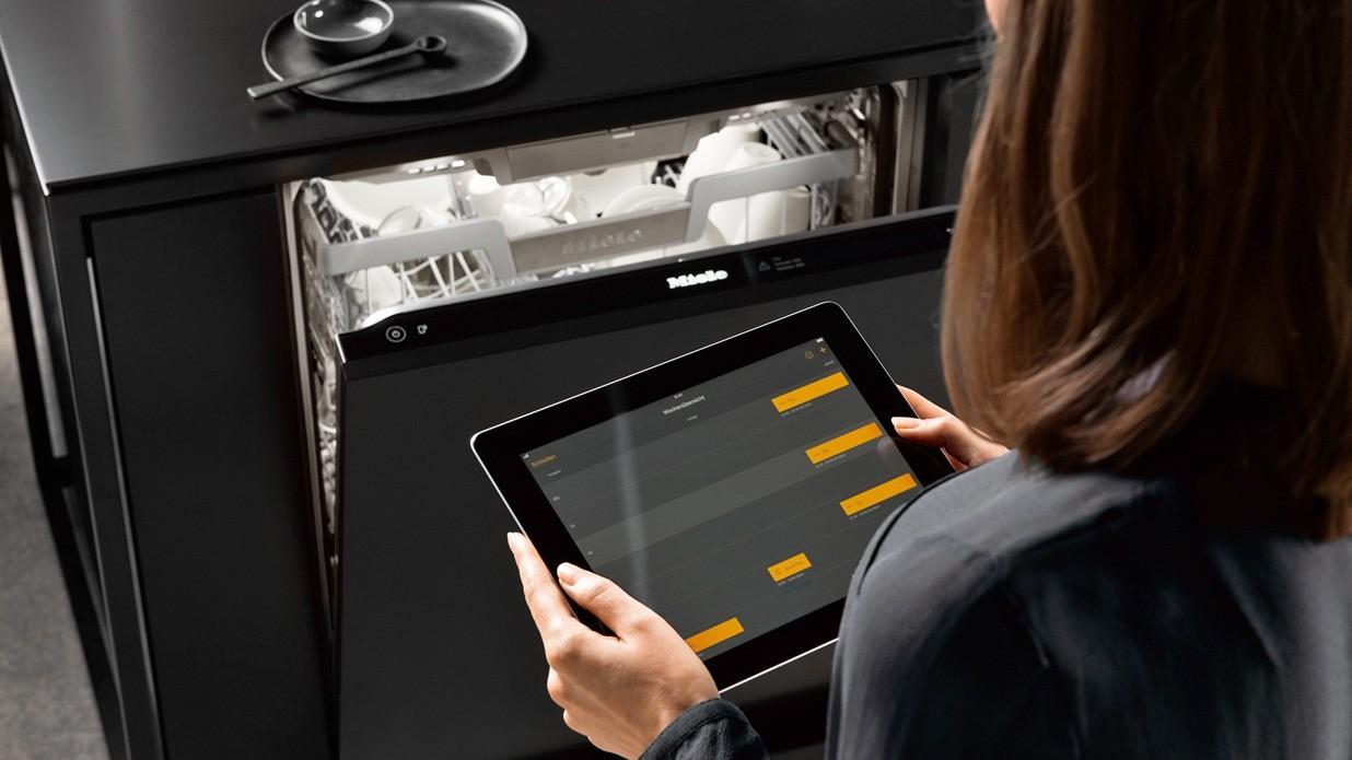 Посудомоечной машиной Miele можно управлять через смартфон или планшетный компьютер