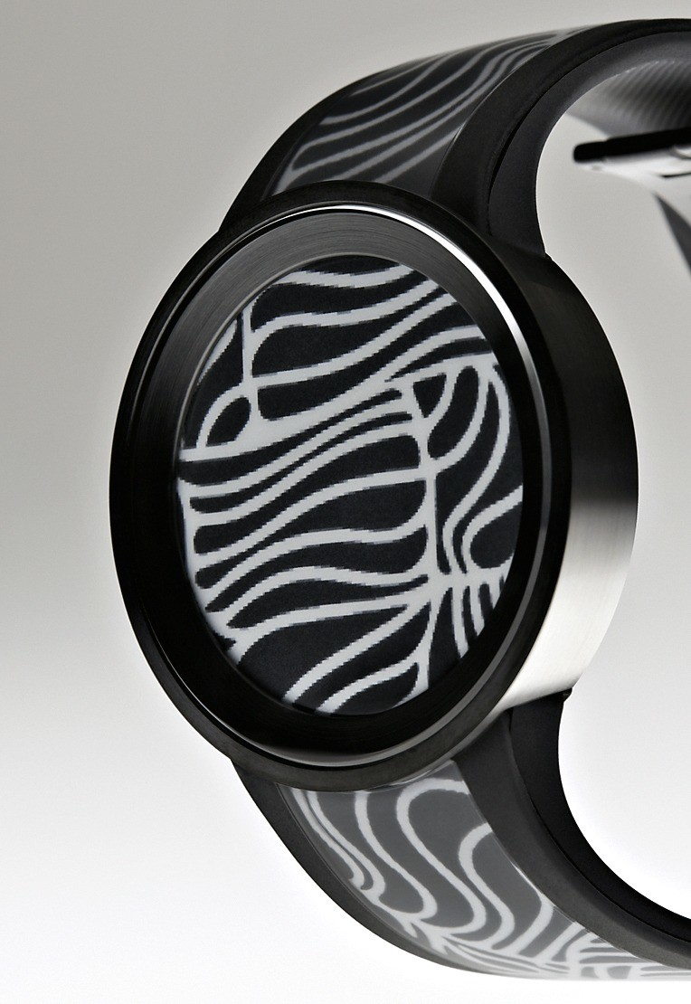 В гаджете SONY Fashion Watch владелец может менять егооформление
