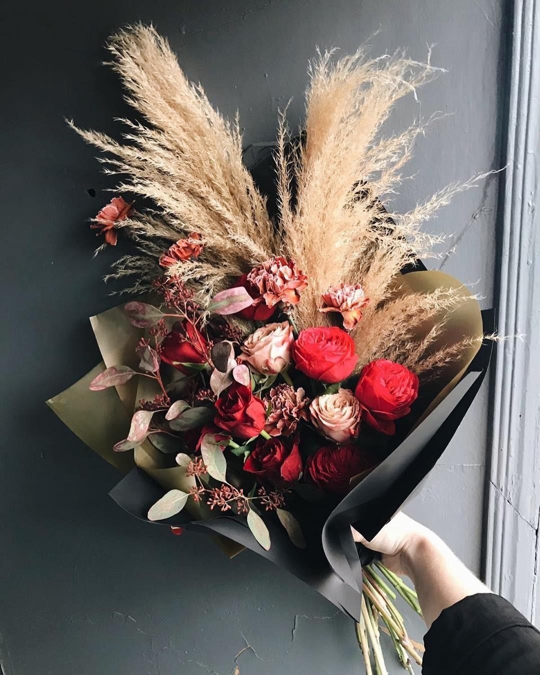 Instagram onlyflowers.spb