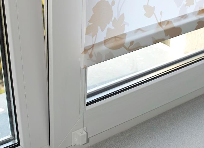 Установка рулонных штор на пластиковые окна: легкая инструкция для быстрого результата