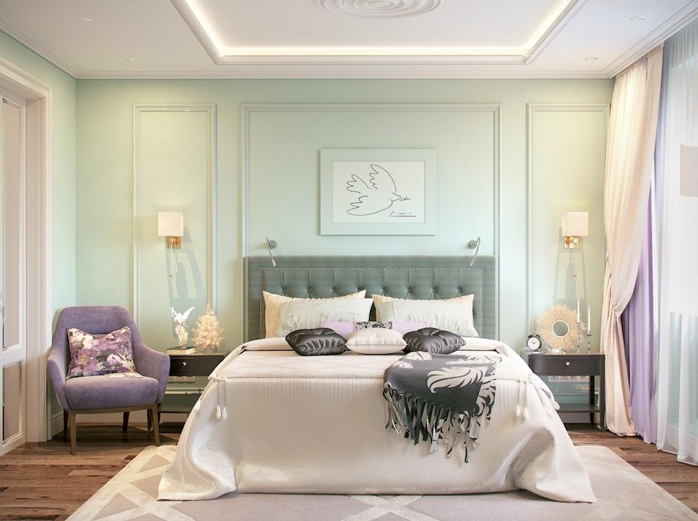 Интерьер спальни дополняет репродукция картины Пикассо «Голубка»