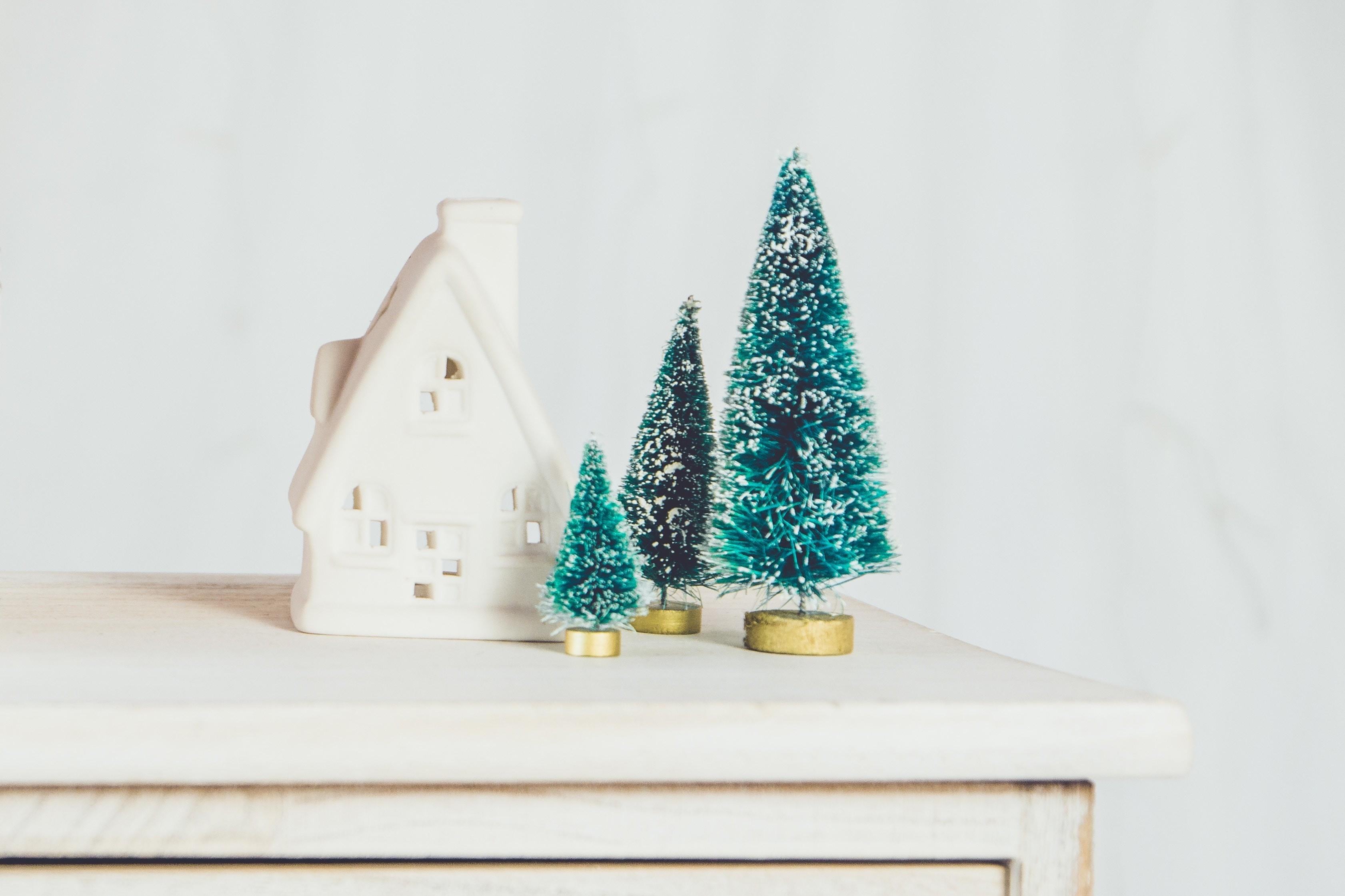 5 способов добавить в дом искусственный снег и не испортить интерьер