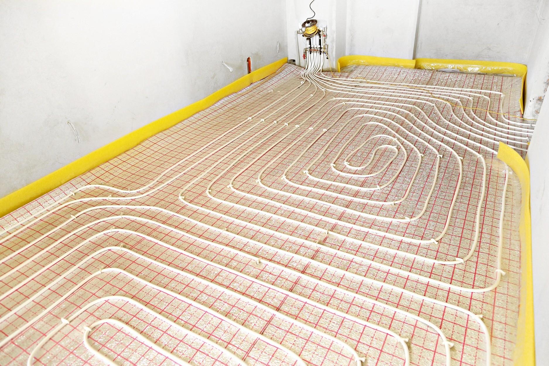 Крепление на арматурной сетке требует от строителей большей аккуратности