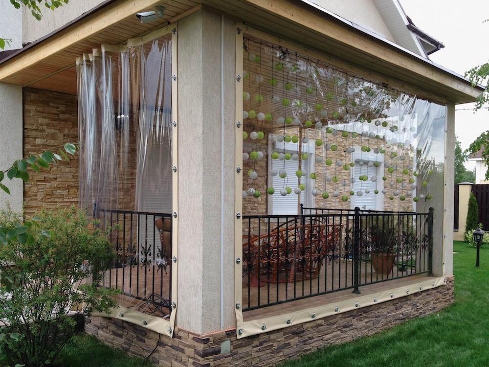 Мягкие окна для веранды: что это такое и зачем они вам нужны
