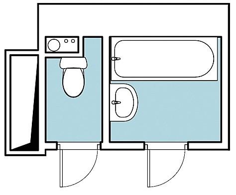 Перед вами два варианта переустройства ванной и туалета в двушке (площадью 53,5 кв. м), которая находится в монолитно-кирпичном доме. Влажные зоны невелики, из-за чего авторы обоих проект...