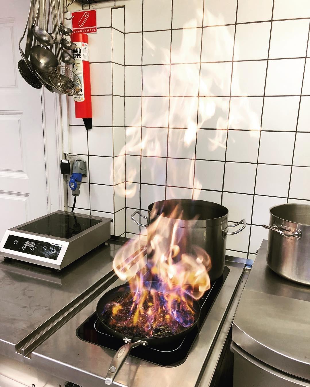 Подгоревшая посуда