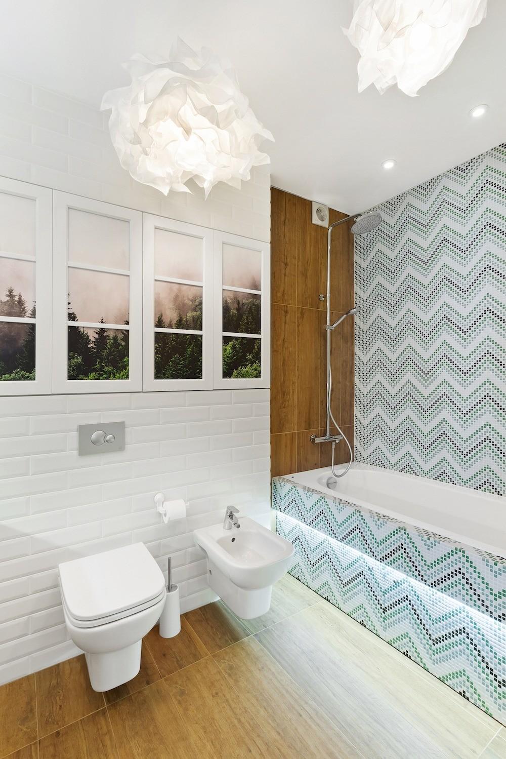 Воздушная и светлая: интерьер женской ванной комнаты