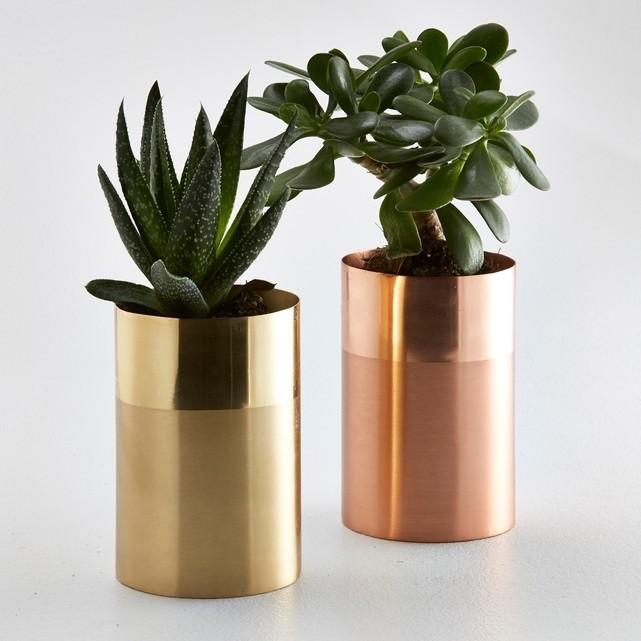 Металлическая ваза