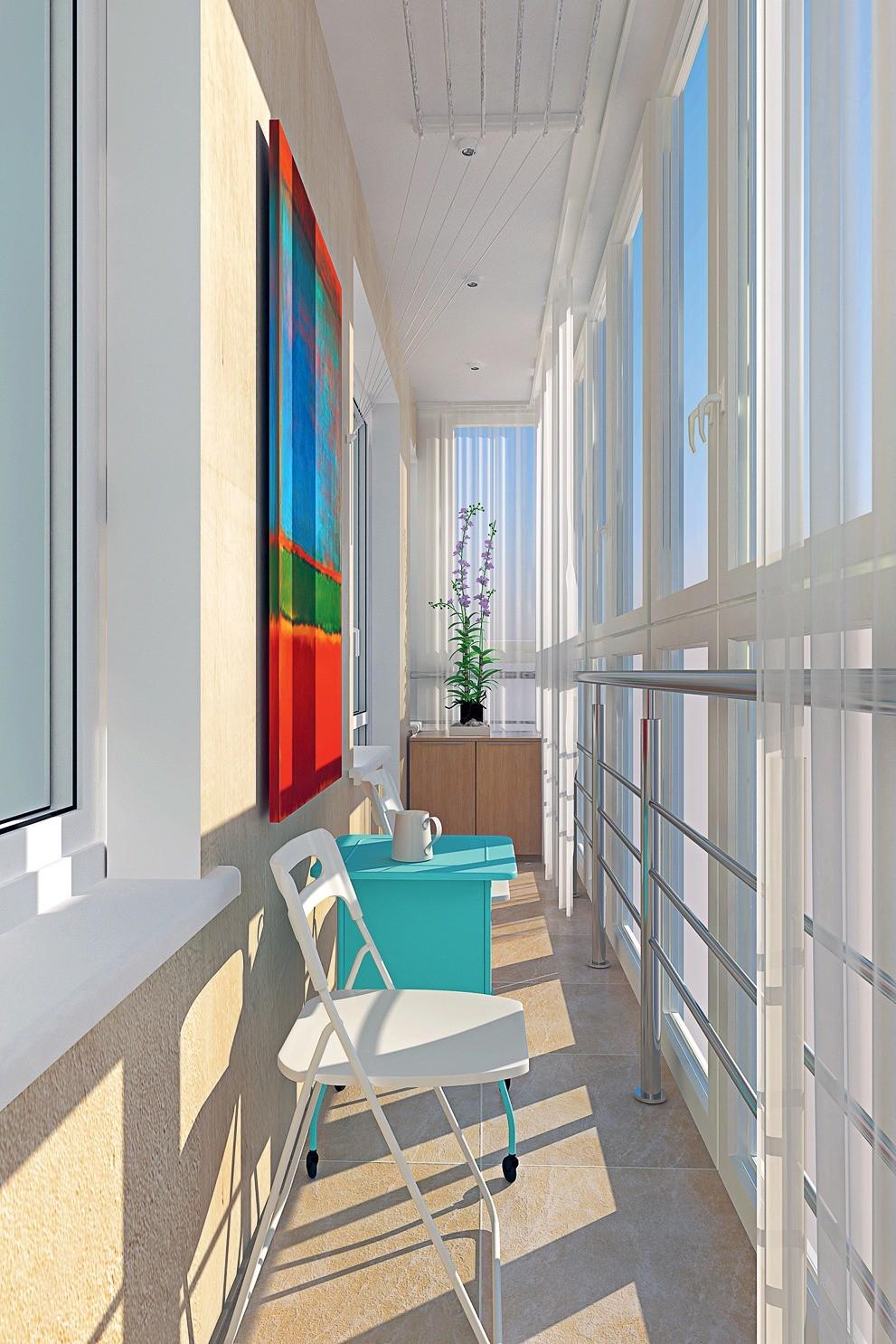 Благодаря большому метражу и прямоугольной конфигурации, на остеклённом балконе можно организовать небольшую, рассчитанную на двоих, зону отдыха. Кроме того, здесь хватит места и для сушк...