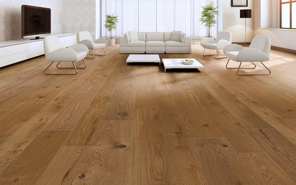 Чтобы деревянный пол не вспучивался, при монтаже всех основных элементов (лаг, фанеры и покрытия) необходимо оставлять у стен компенсационные зазоры величиной до 10мм. Кроме того, требуе...