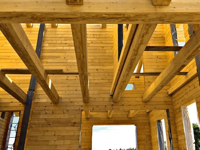 Смонтировали двойные балки междуэтажного перекрытия (отдельно для пола и потолка), чтобы уменьшить передачу ударного шума