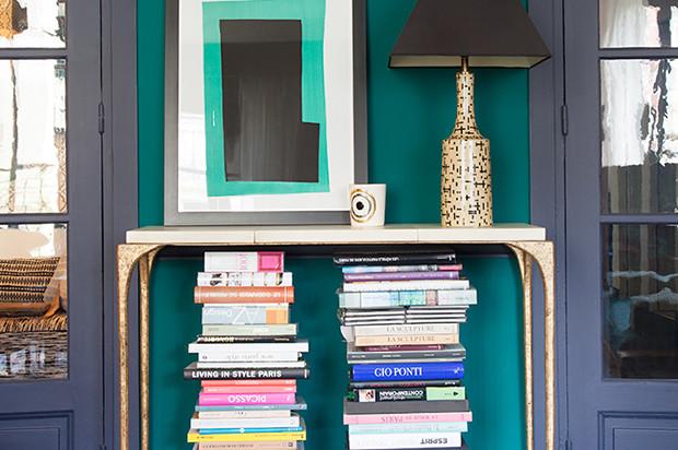 14 очень необычных и стильных способов разместить книги в квартире
