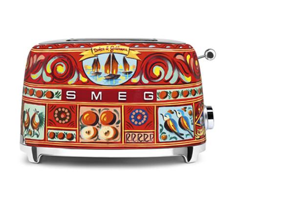 Smeg выпустила бытовую технику с дизайном от Dolce & Gabbana