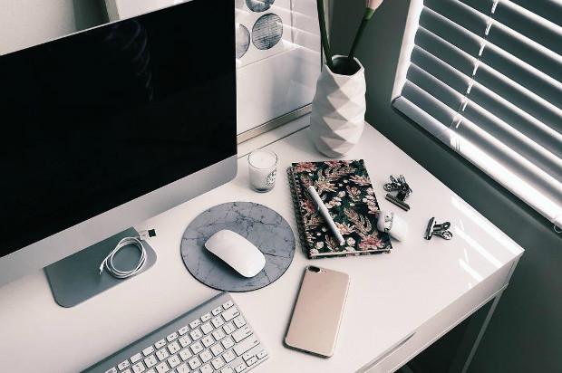 Как обустроить рабочую зону в маленькой студии: 11 умных решений
