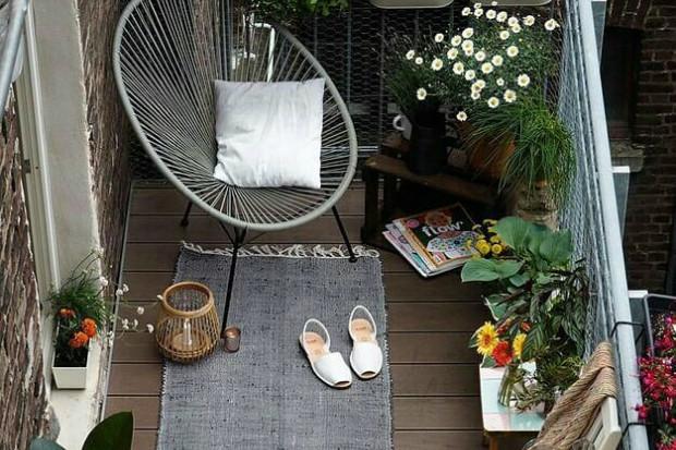 Зона отдыха на балконе или лоджии: 26 классных летних вариантов