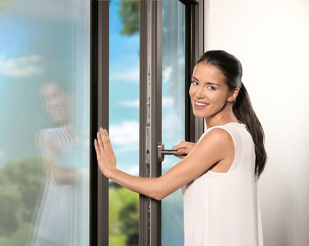 Монтаж окон в квартире: на что обратить внимание и как избежать ошибок