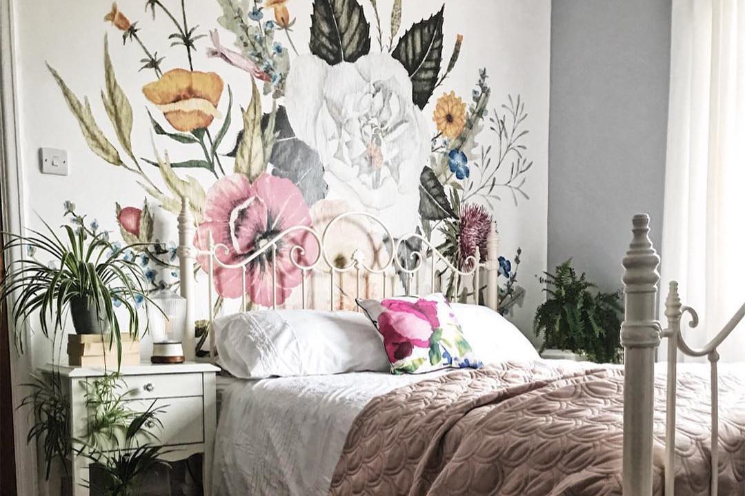 15 классных идей для оформления стен в спальне