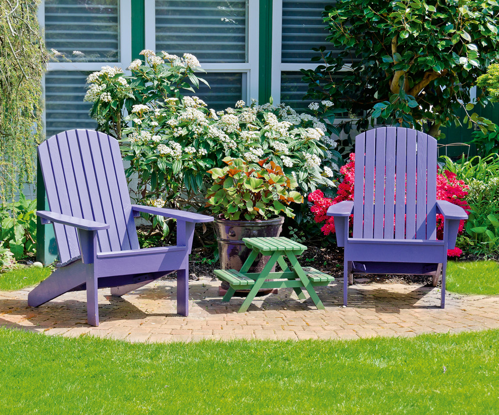 Как выбрать краску для деревянной садовой мебели