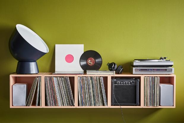 Чем заменить стеллаж в квартире: 20 красивых и компактных вариантов
