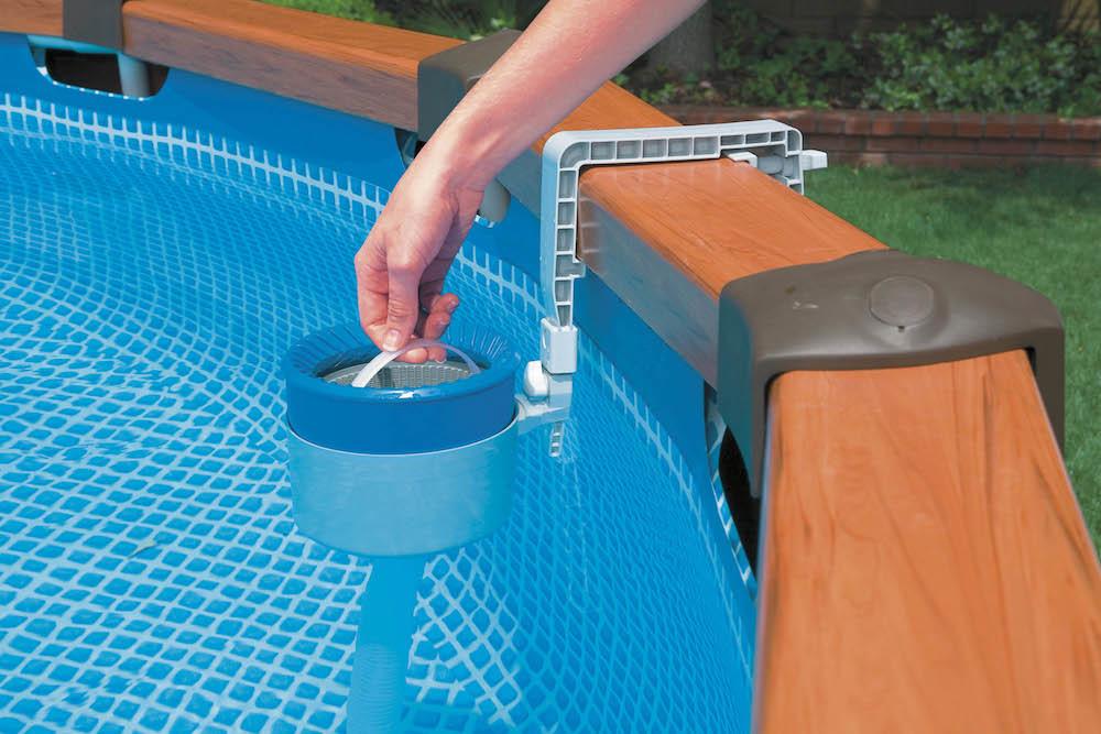 Как ухаживать за бассейном в саду: 7 важных советов