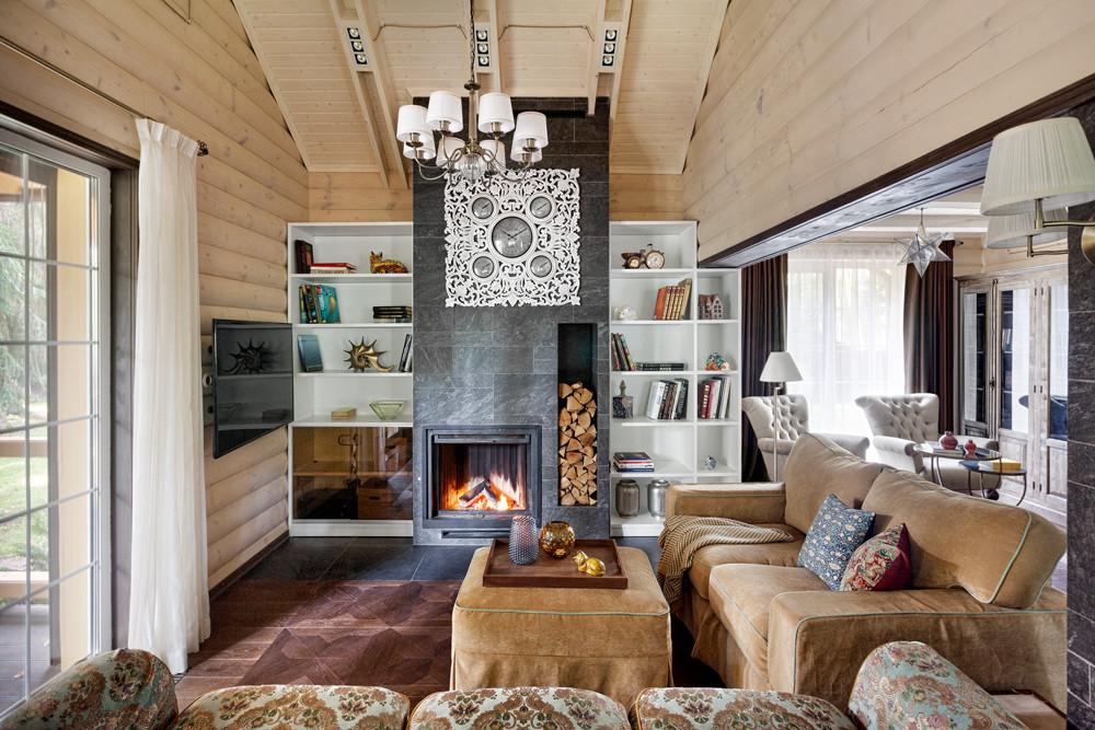 Необычный дом под Дмитровом: классический интерьер в деревянных стенах