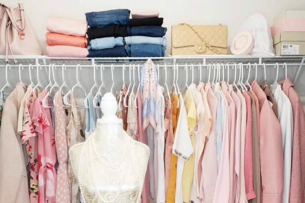 10 дизайн-хаков для маленькой гардеробной комнаты