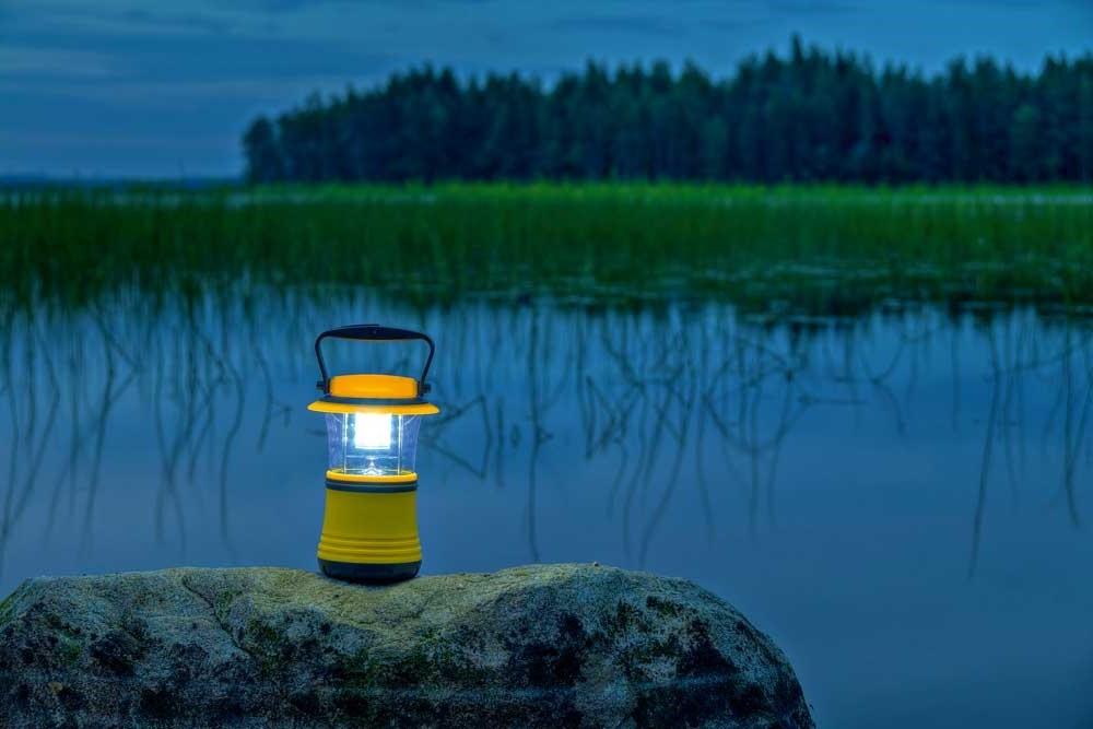 Переносные уличные светильники: выбираем лучший для дачи