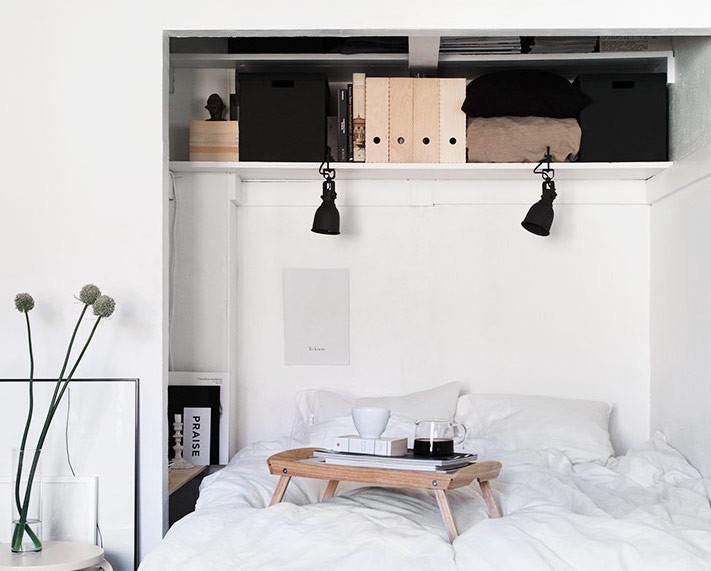 Как втиснуть мебель в очень маленькую комнату: 11 примеров