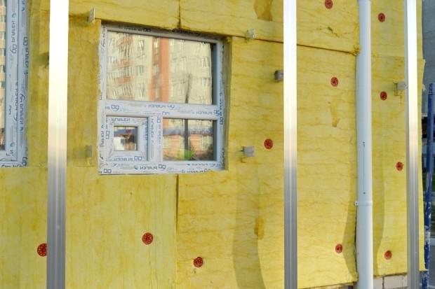 Как утеплить стены дома: выбор материалов и технологии монтажа