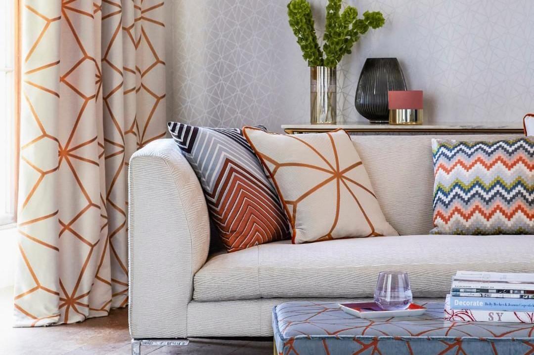Декорируем гостиную к осени: 8 простых способов создать тёплую и уютную атмосферу