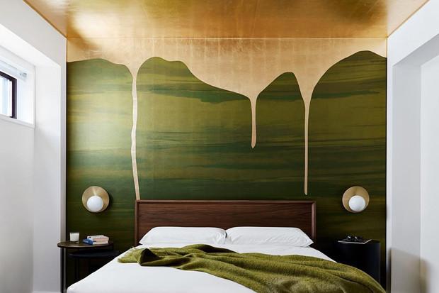 Акцентная стена в спальне: 12 идей оформления, о которых вы даже не подозревали