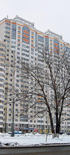 Четырехкомнатная квартира в доме серии П-3М: Огни большого города