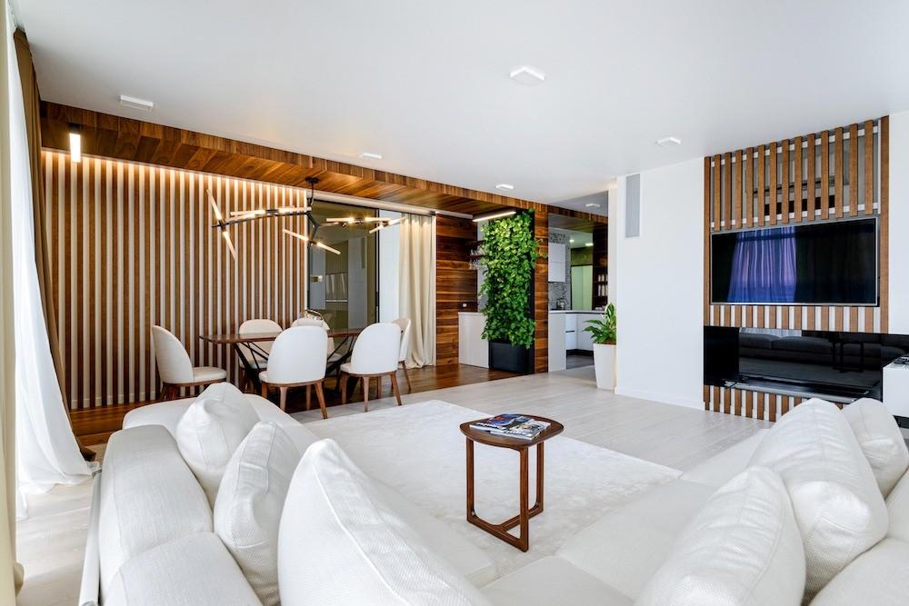 Трёшка, объединённая с однушкой: футуристичный интерьер квартиры для молодого человека