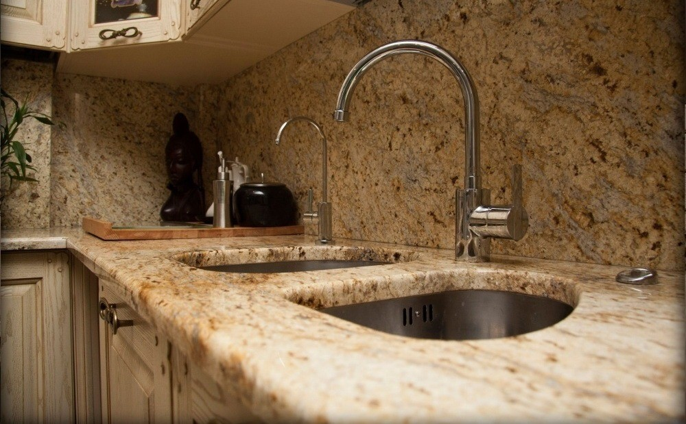 Как выбрать столешницу для кухни, исходя из качества материала?