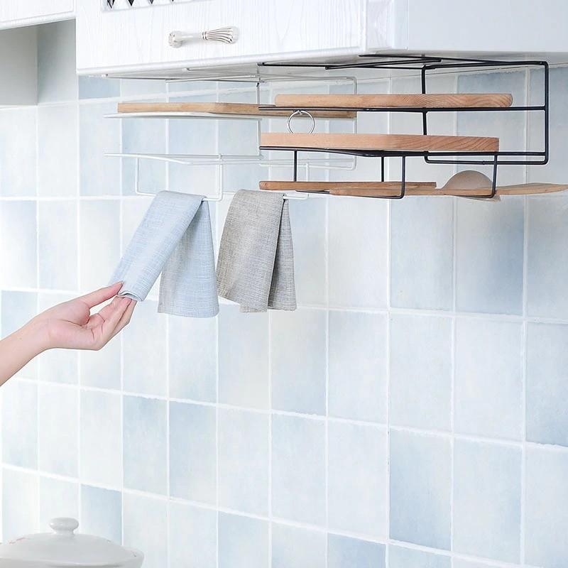 Вы можете выбрать модель, которая крепится к стене или остановиться на полке, которая подвешивается непосредственно к гарнитуру.