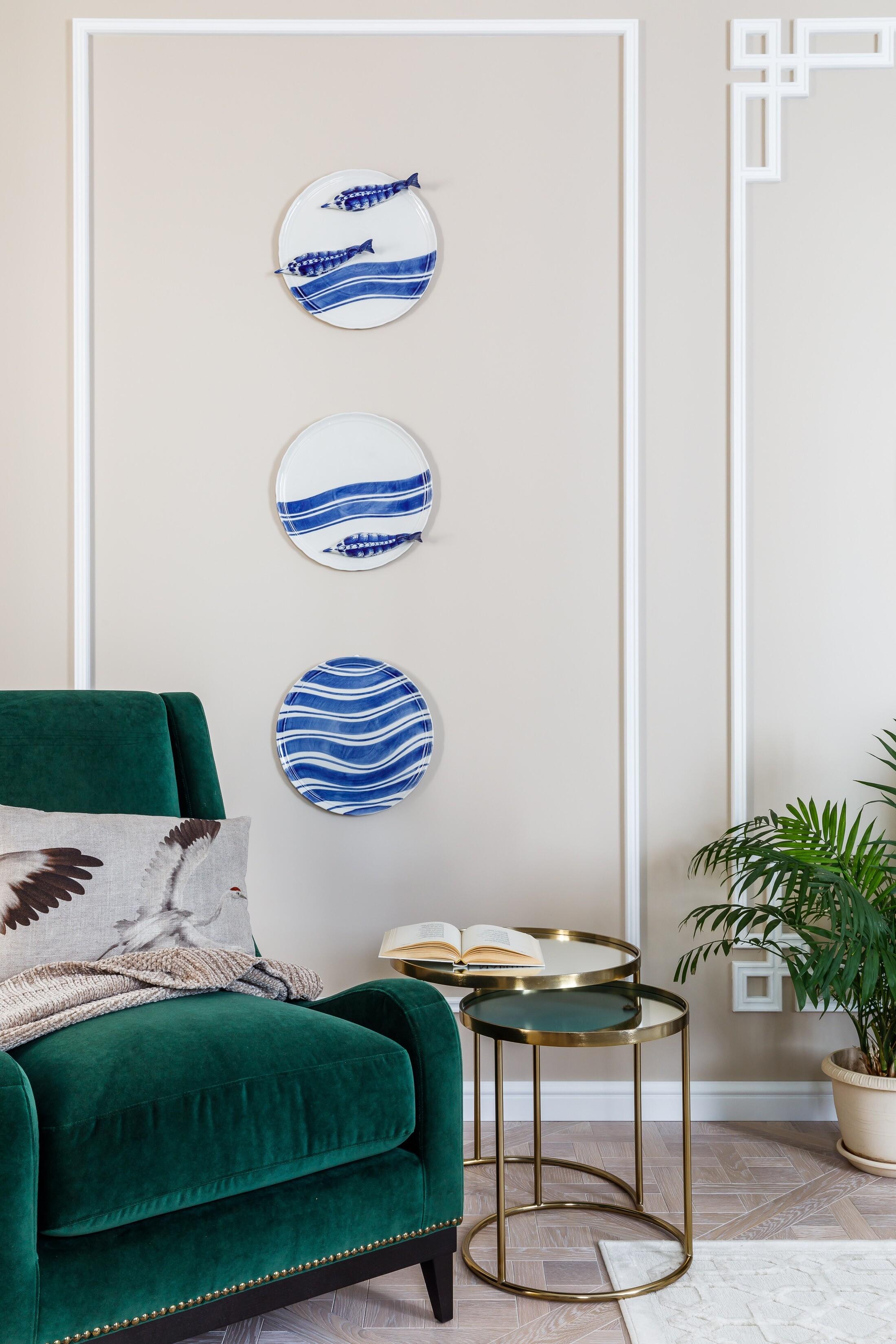 Тарелки на стене — Гжельский фа...