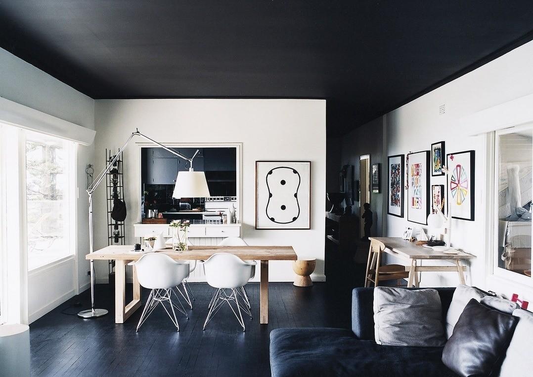 Какой натяжной потолок выбрать: лучшие варианты для разных комнат