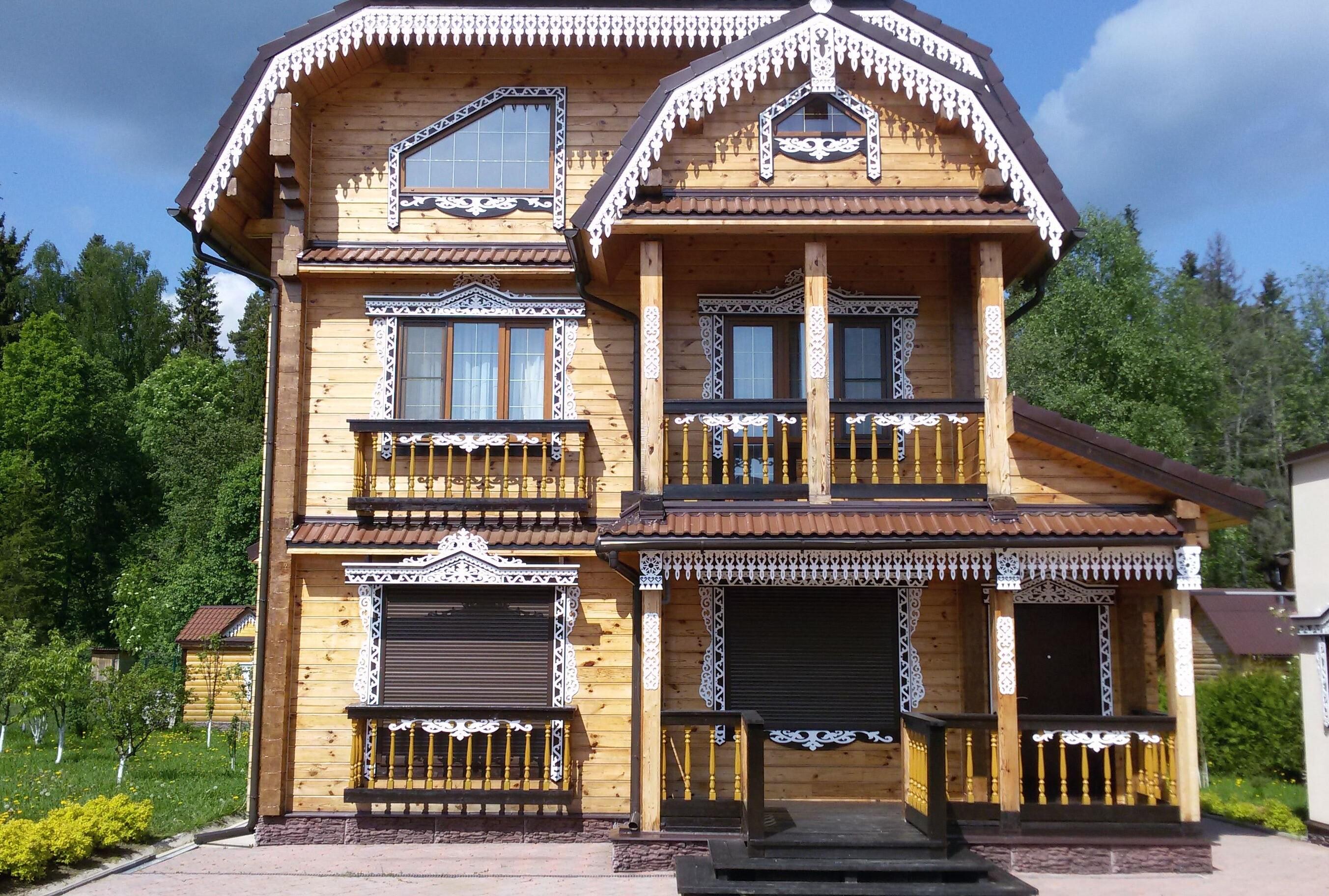Резные наличники на окна в деревянном доме: мастерим и устанавливаем своими руками