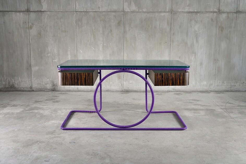 Канадский художник представил коллекцию мебели из арматуры