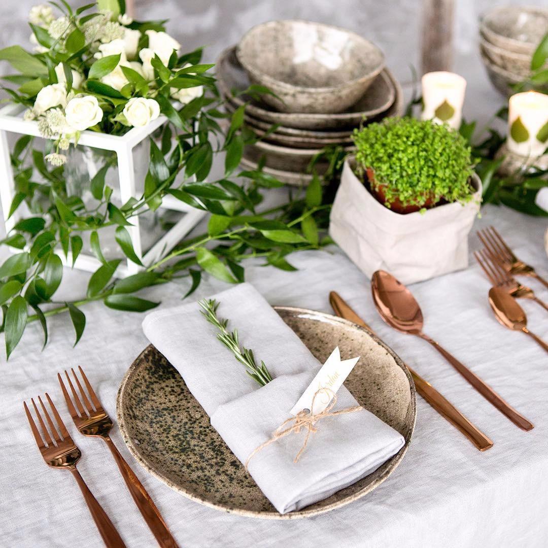Как красиво сложить салфетки на праздничный стол: 11 способов, которые впечатлят ваших гостей