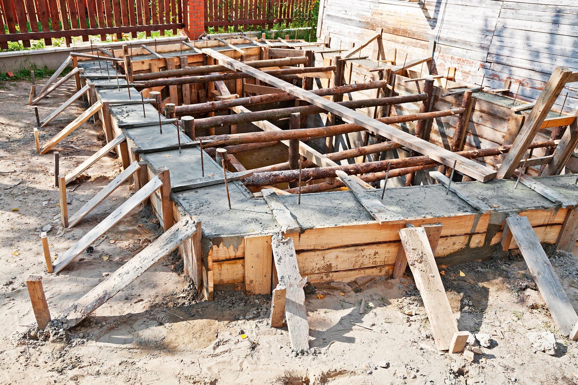 Как правильно сделать опалубку для будущего фундамента дома