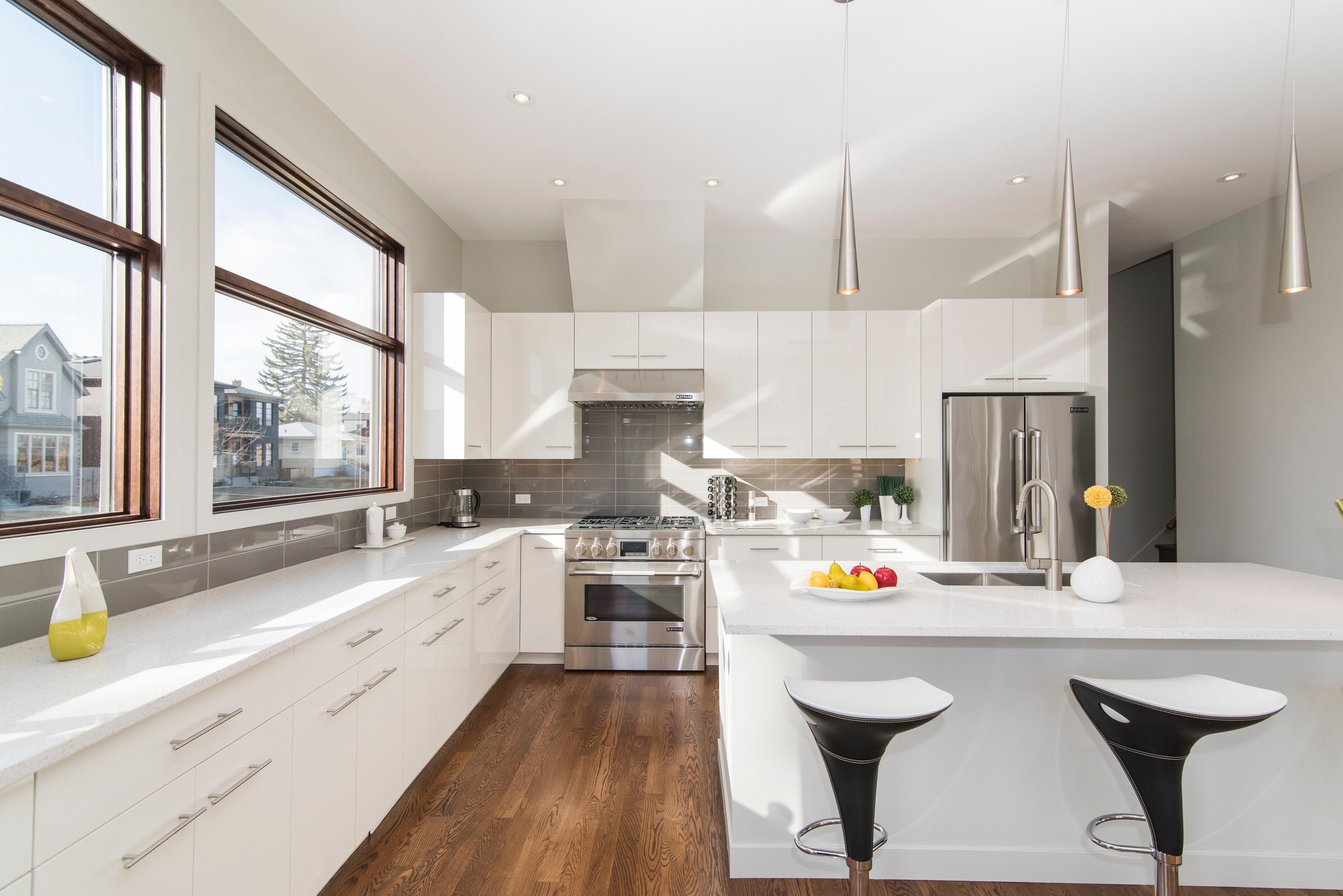 Какой пол лучше сделать на кухне: разбор характеристик каждого покрытия