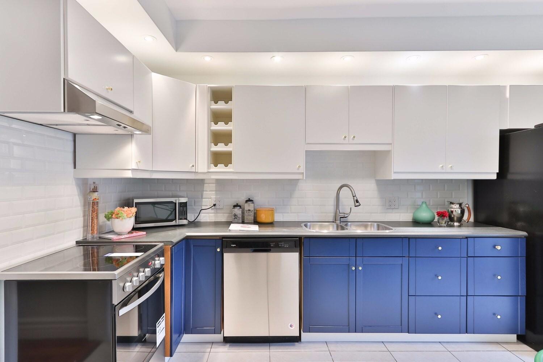 Какие фасады для кухни лучше: обзор 10 популярных материалов
