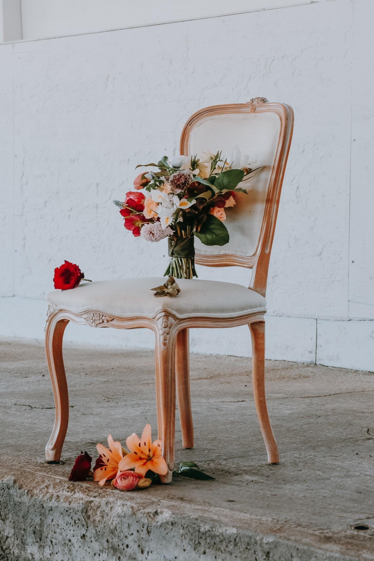6 простых способов обновить старые стулья