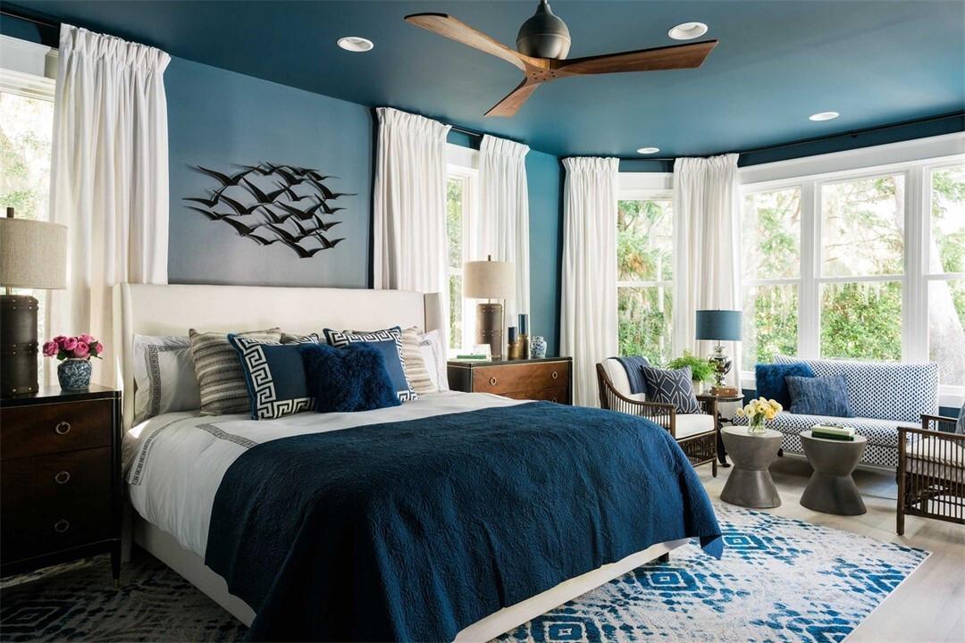 Оформляем дизайн спальни с натяжными потолками: советы и 50 примеров